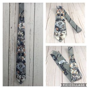 VINTAGE 1990 NFL Raiders Team Tie